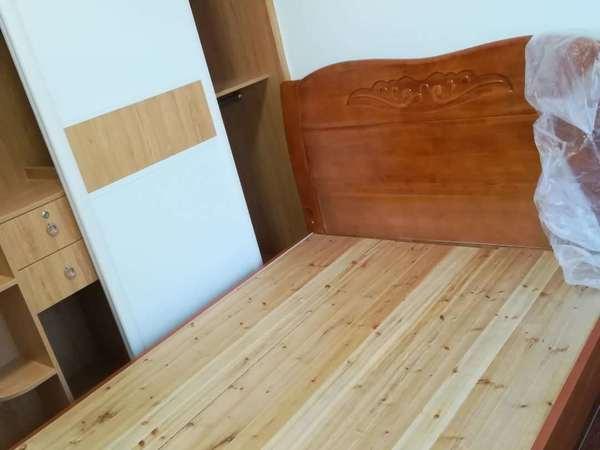 东汇城家私家电齐全拎包入住,3房2厅