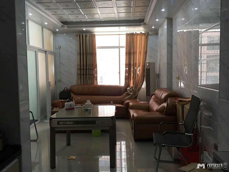 翠辉雅园,复式,3房1厅,63方,63万,豪装,送家私家电