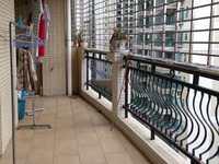 新世纪学校:嘉和苑:中层,171方精装,2010年,148万,车位另购23万