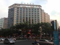 裕海国际 商住一体 四楼东头、南北通透、三面采光、电梯直达门口、200平方阳台