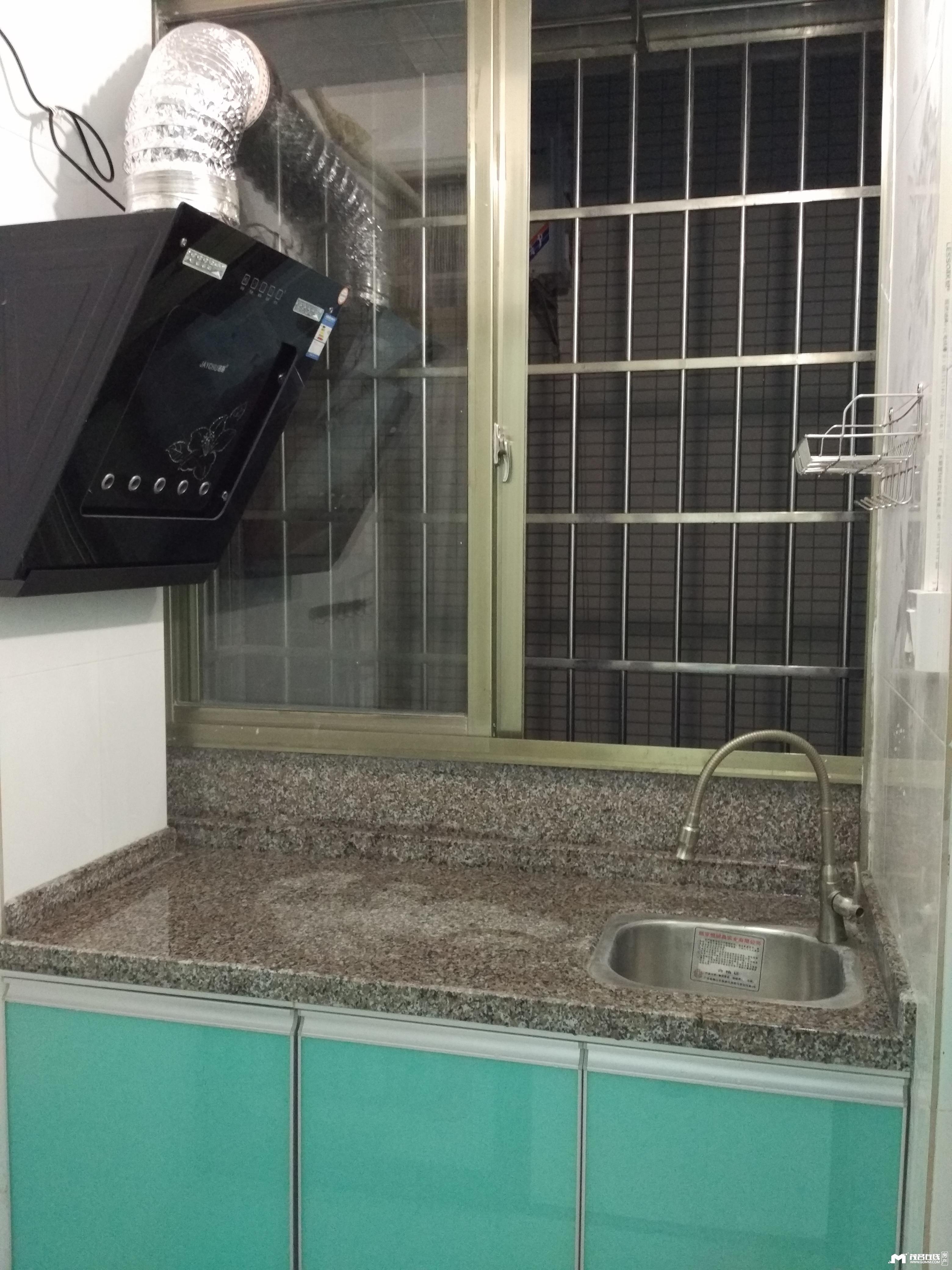 ④中成公寓 电梯单间 有厨房 家电齐 电车可充电
