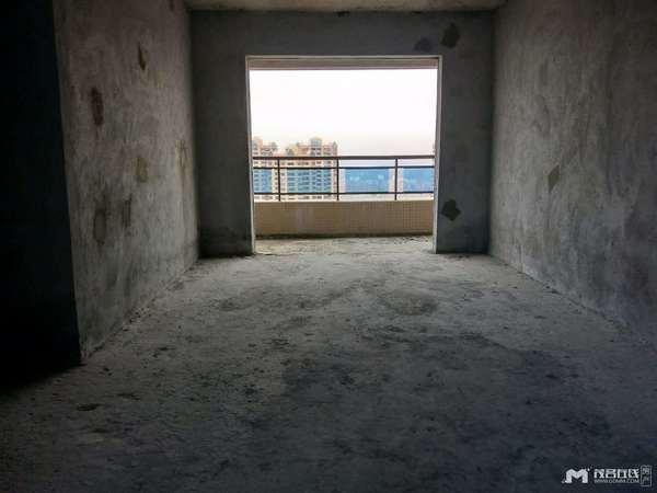 金碧新城高楼层东头,116平方 ,3房2厅采光好通风好,愉园双学位