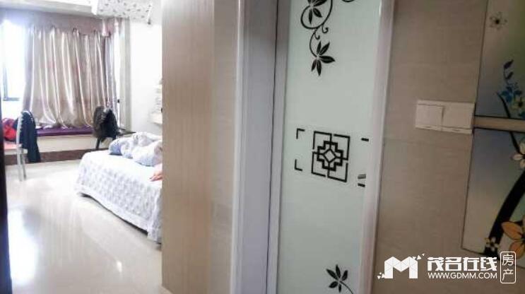 财富名门,3房2厅,中装,家私电齐全,不带车位租3500元/月