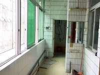 出售光华南路单位房3室2厅2卫135平米59.8万住宅