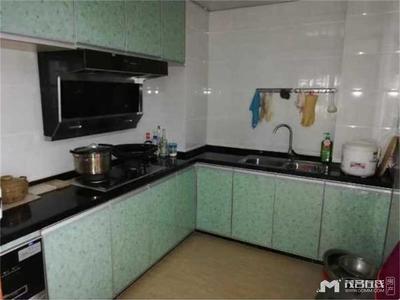 沃尔玛附近中银名苑中层3房2厅141方精装送全屋家私电器售140万