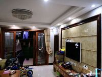 粤西明珠高层3房2厅117方豪装赠送全屋空调、冰箱、热水器、靓皮名牌沙发和椅子