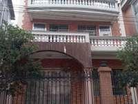 出售:文光小区别墅,415平方,3层半,518万包过户