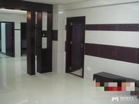 开发区鸿景南苑电梯广场120平方3房家私齐租2500