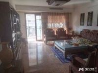 翠辉雅园 4室2厅2阳台电梯,物业管理,有大院,拎包入住。