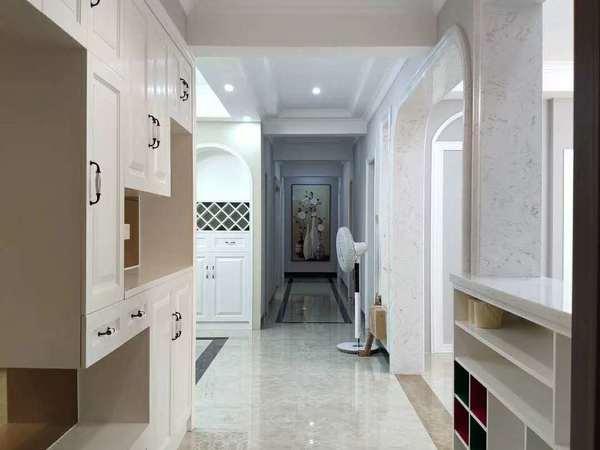美丽价225万,豪华五房二厅两卫,财富新城步梯2楼