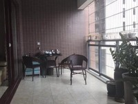 出售中银名苑4室2厅2卫175平米168万住宅精装修拎包入住