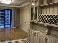 新福五路财富名门电梯 163方 4房2厅 家私齐租3800元