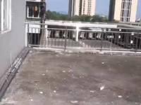 喜欢大露台的看过来 香悦北苑 四房 122万