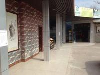 出租站北六路商铺,交通便利,租金面议。
