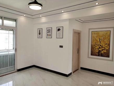 朝阳单位房,约128平方,4房2厅惊爆价69.8万