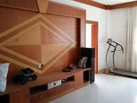 荔红小区135平方3房2厅新净装修送杂物房开价89万