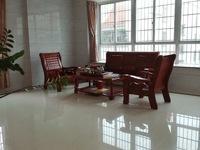 新房出租 财富世家精装靓房 5房2厅2700元每月